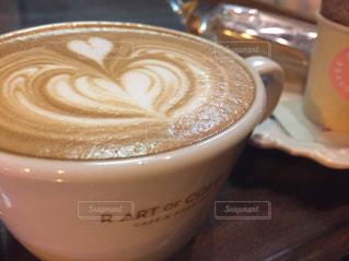 テーブルの上の紅茶の写真・画像素材[2698455]