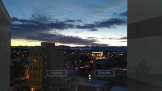 夜の街の眺めの写真・画像素材[2723130]