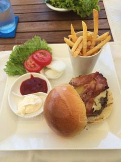 ハンバーガー,フライドポテト,ジャンクフード