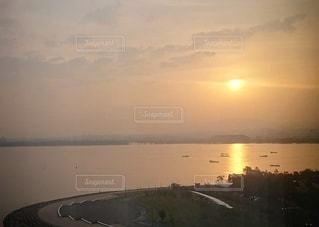 風景,空,湖,太陽,朝日,綺麗,晴れ,水面,光,映る,朝,日の出,光る,琵琶湖
