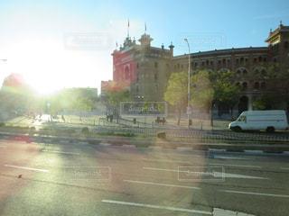 空,建物,屋外,太陽,光,都会,車窓,スペイン,マドリッド,闘牛場