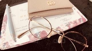 ファッション,アクセサリー,屋内,小物,レトロ,眼鏡,ペン,ノート,文房具,メガネ,メガネフォト
