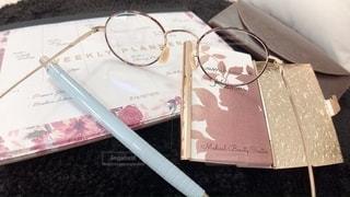 ファッション,アクセサリー,屋内,眼鏡,ペン,ノート,文房具,名刺入れ,メガネ,メガネケース