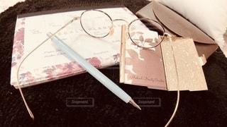 レトロ,ペン,ノート,書類,文房具,紙,名刺入れ,メガネ,メガネケース,名刺,データ,スケジュール表