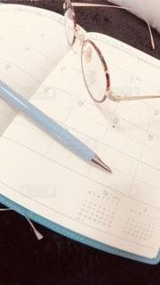 ペン,書類,ペーパー,紙,手帳,メガネ,データ