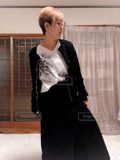 女性,ファッション,屋内,黒,人物,コーディネート,コーデ,ブラック,黒コーデ,ファッション ・ デザイン