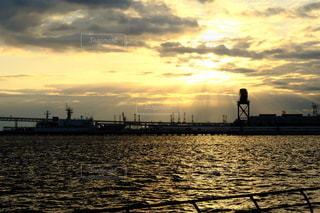 海,空,太陽,雲,光,港,横浜,日の出,光芒