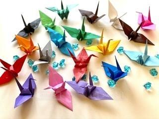 色とりどりの折り鶴の写真・画像素材[3355535]