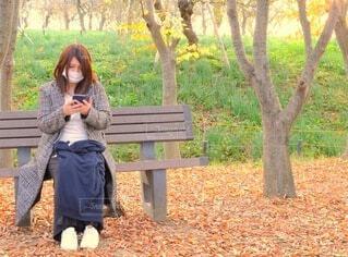 公園で待ち合わせの写真・画像素材[3865335]