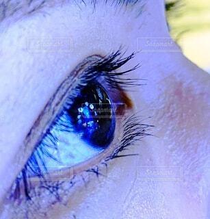 カップル,屋内,青,室内,気球,イルミネーション,ライトアップ,クリスマス,買い物,梅田,バルーン,明るい,デート,目,クリスマスツリー,瞳,青い,2020年,商業施設,インスタ,虹彩,insta,エモい,グランフロント大阪,インスタ映え,映えスポット,日本の良さを伝えたい,domarin77,グランフロントクリスマス