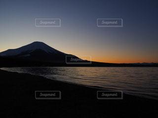 自然,風景,海,空,夕日,富士山,湖,太陽,雲,夕暮れ,水面,海岸,山,光,河口湖,富士五湖,Mt. Fuji