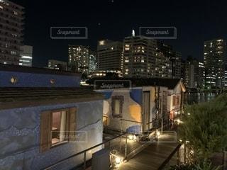 夜の街の眺めの写真・画像素材[2765125]