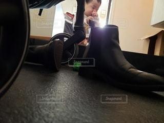 赤ちゃんと靴の写真・画像素材[2752874]