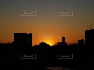 風景,空,建物,東京,太陽,夕暮れ,シルエット,光,都会