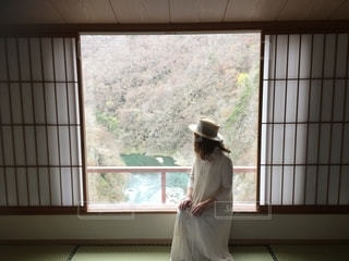 旅館の部屋から見る景色の写真・画像素材[2792086]