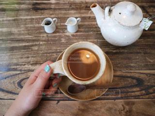 テーブルの上の紅茶の写真・画像素材[2871609]