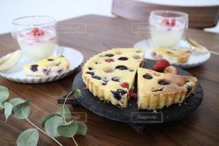 ベイクドブルーベリーチーズケーキの写真・画像素材[3196202]