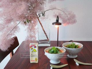 朝ごはん 無調整豆乳で作った台湾風豆乳スープの写真・画像素材[3814475]