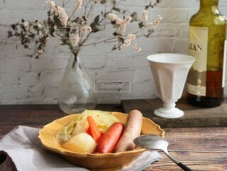 おうちごはん,食事,テーブル,ポトフ,スープ,オシャレ,暖かい,料理,テーブルフォト,おうちカフェ,Snapmart,ソーセージ,ジューシー,ブランチ,カフェ飯,PR,ジョンソンヴィル