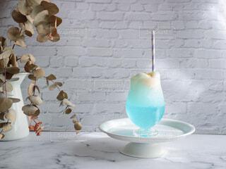 かわいい水色のクリームソーダの写真・画像素材[4838729]