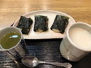 湯島天神にて。お餅を食べるの写真・画像素材[2747876]