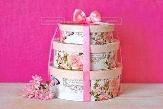 ピンクコーデプレゼントボックスの写真・画像素材[2971906]
