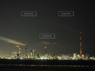 工場の夜の姿の写真・画像素材[3014632]