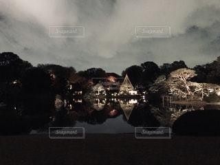 秋の夜の写真・画像素材[2745277]