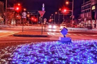 交差点のイルミネーションの写真・画像素材[2768566]