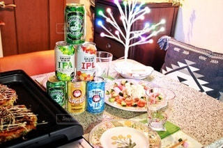 家族と昼食そしてビールの写真・画像素材[2819793]