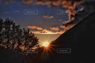 自然,風景,空,屋外,太陽,雲,夕暮れ,山,光,樹木,夕陽,山脈,沈む太陽,北アルプス大橋