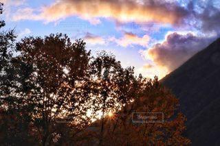自然,風景,空,屋外,太陽,雲,夕暮れ,山,日没,光,樹木,夕陽,草木,クラウド,北アルプス大橋