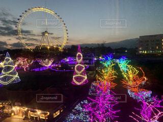 夜の遊園地の写真・画像素材[4105605]