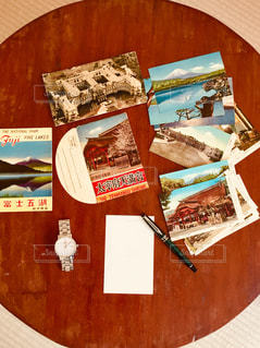 時計,観光,テーブル,書類,万年筆,紙,ハガキ,葉書,データ
