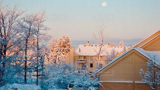 アパートと雪の写真・画像素材[2813603]