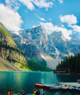 湖にボートでの写真・画像素材[2835193]