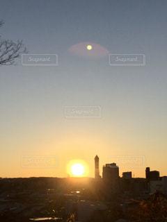 空,屋外,太陽,光,月,日の出,初日の出,クラウド