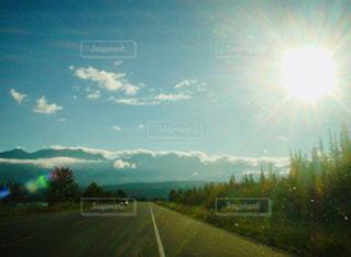 自然,風景,空,屋外,太陽,雲,夕暮れ,道路,光,高速道路,道,日中,クラウド