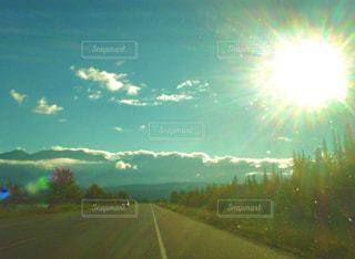 自然,風景,空,屋外,太陽,雲,夕暮れ,道路,光,高速道路,樹木,道,明るい,景観,日中,クラウド