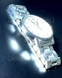 輝く時計の写真・画像素材[3805076]