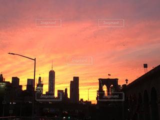 空,太陽,夕暮れ,光,高層ビル