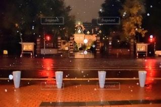 北海道道庁前で信号待ちの写真・画像素材[2785097]