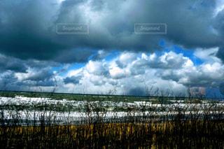 空の雲の群の写真・画像素材[2808710]