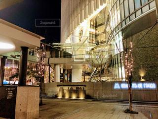 建物,冬,夜,大阪,イルミネーション,都会,ライトアップ,梅田,関西,グランフロント大阪,シャンパンゴールド