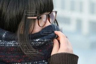 女性,ファッション,冬,アクセサリー,屋外,マフラー,眼鏡,人物,眼鏡女子,メガネ