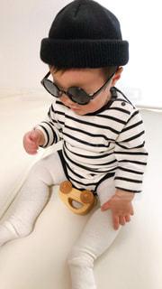 子ども,ファッション,サングラス,黒,眼鏡,人物,人,赤ちゃん,ニット帽,コーディネート,男の子,コーデ,ベビー,ブラック,黒コーデ