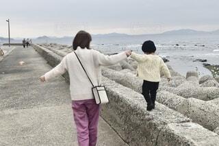 海辺散歩の写真・画像素材[4212955]