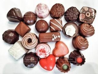 皿の上のチョコレート。の写真・画像素材[2958420]