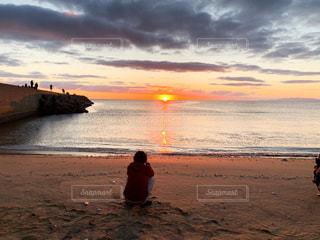 海,空,屋外,太陽,ビーチ,水面,海岸,光,人,日の出