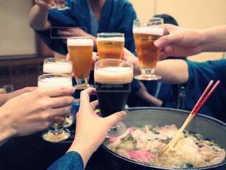 飲み物,春,温泉,人物,浴衣,イベント,グラス,ビール,大学生,乾杯,旅館,サラリーマン,ドリンク,パーティー,手元